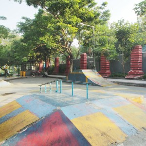 Sarana bermain di Taman Bungkul Surabaya. GeoTIMES/ Idham Rahmanarto