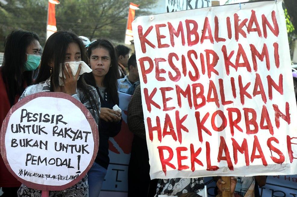 Ilustrasi. Aktivis yang tergabung dalam Koalisi Masyarakat Tolak Reklamasi melakukan aksi unjukrasa. ANTARA FOTO
