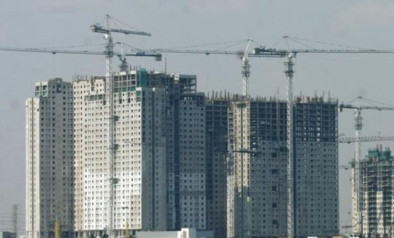 Pembangunan gedung bertingkat di Jakarta Utara. Antara