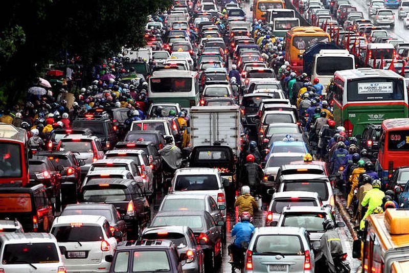 Kemacetan di Jakarta akibat pesatnya pertumbuhan kendaraan bermotor