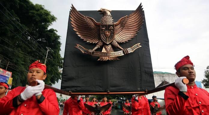 seragam seragam-orde-baru-kemerdekaan-geotimes