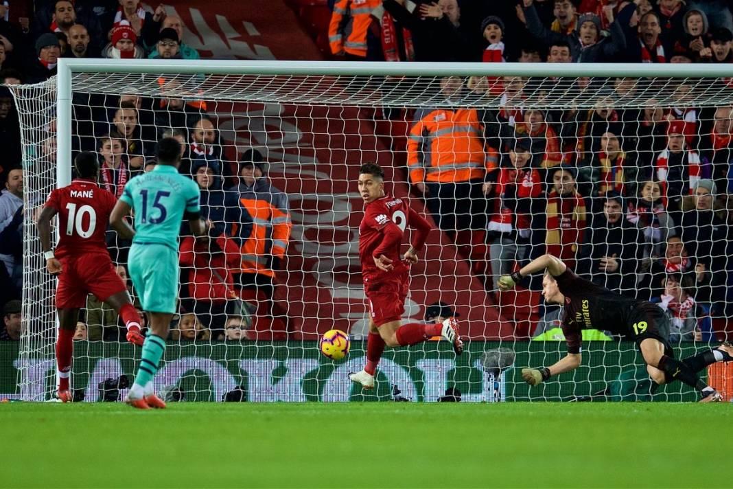 Liverpool_Arsenal-roberto-firmino-geotimes